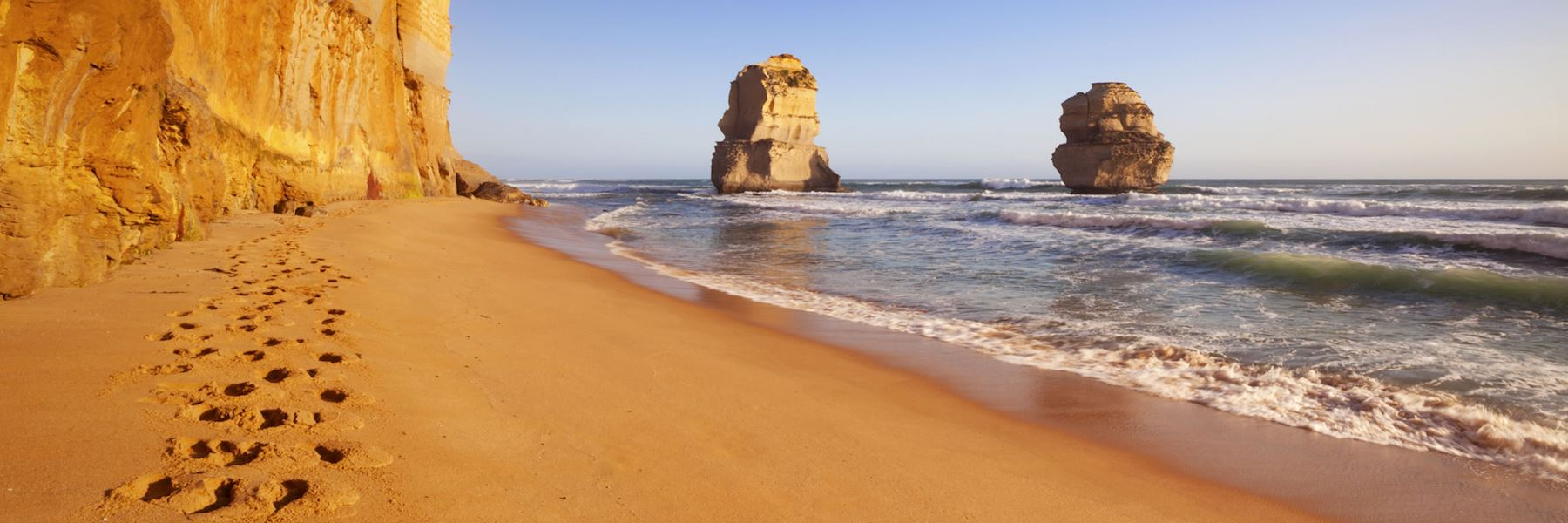 Visit the Great Ocean Road, Australia