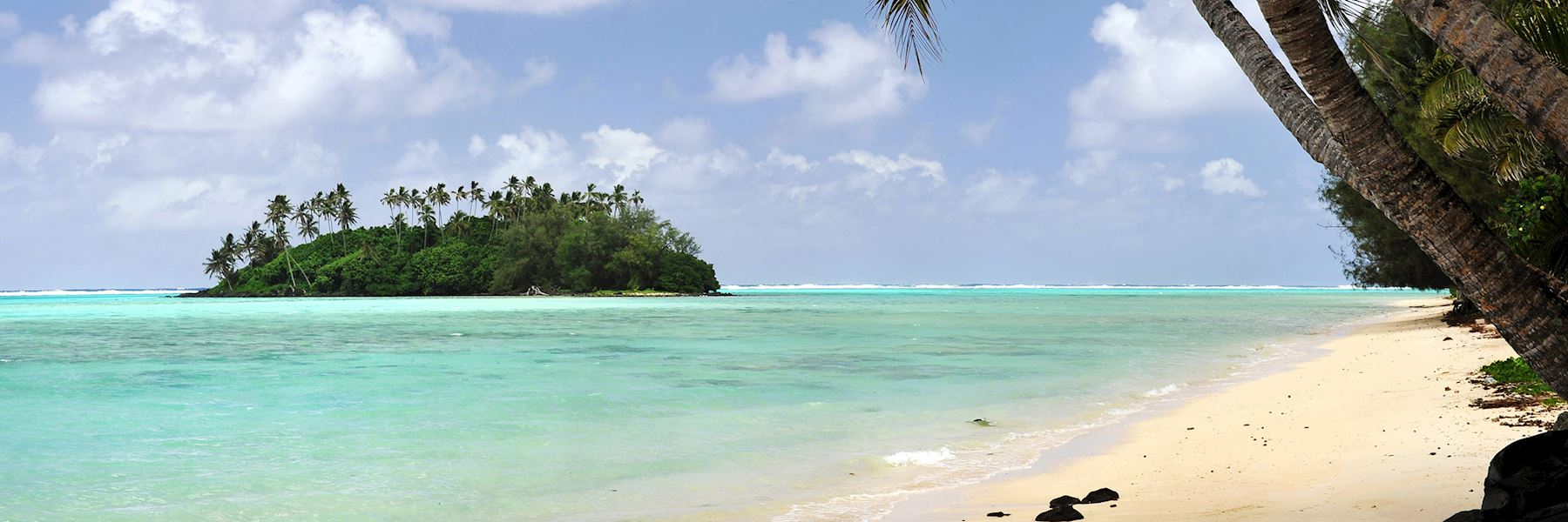 When is the best time to visit the Cook Islands?