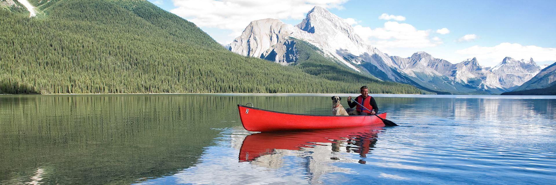 Maligne Lake canoeing