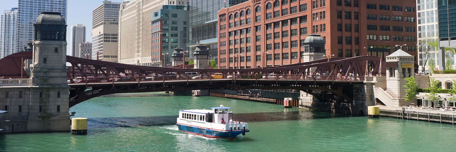 Cruising on the Chicago river, USA