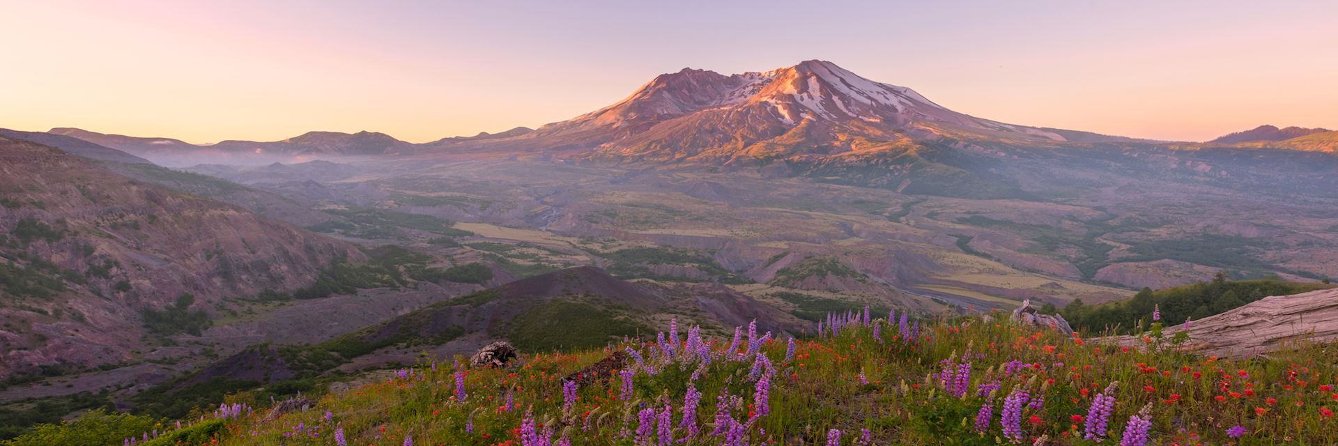 Sunrise at Mount St. Helens