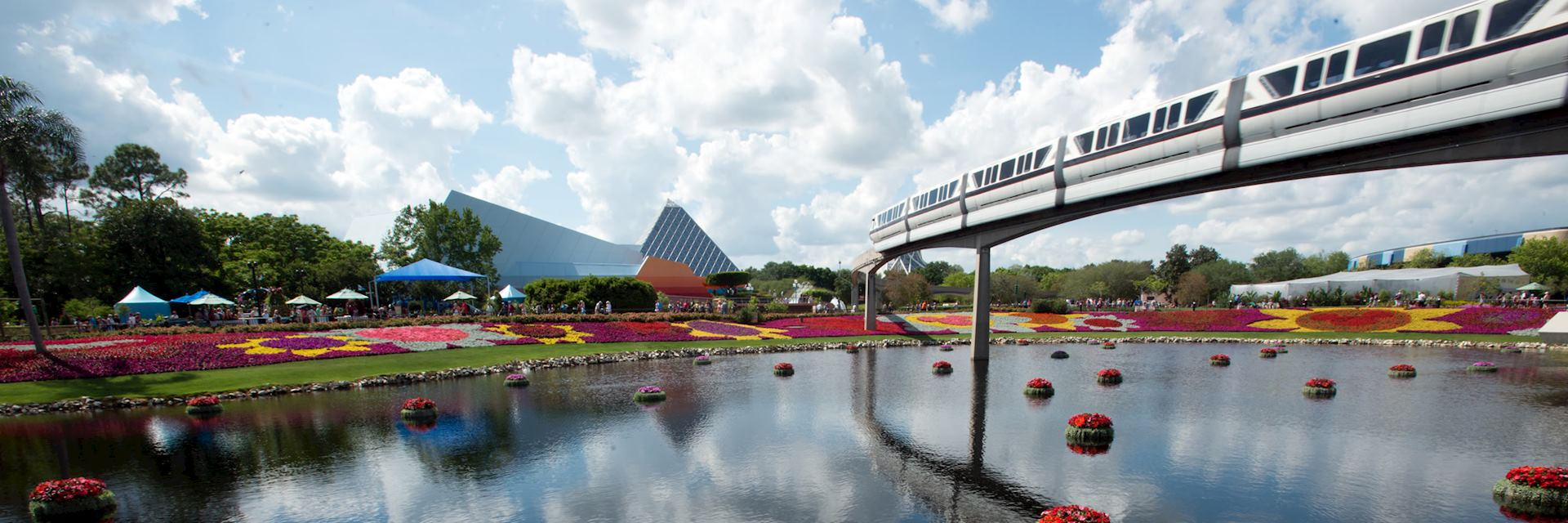 Monorail in Disney World, Orlando