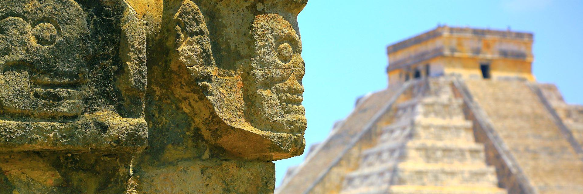 Kukulkan Pyramid at Chichén Itzá