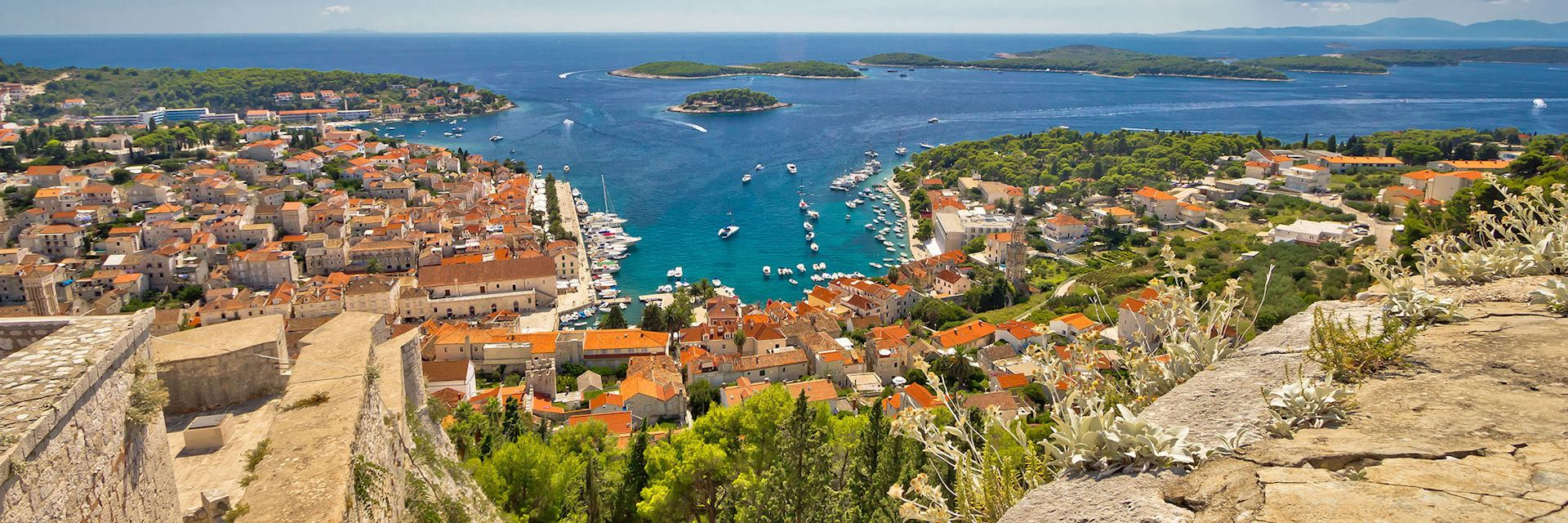 Hvar and Paklinski islands