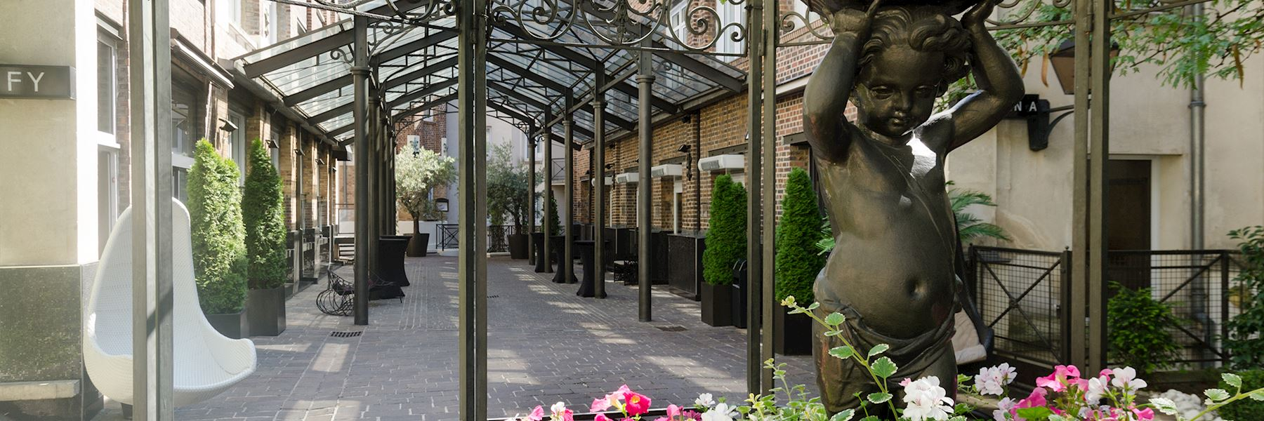 Les jardins du marais hotels in paris audley travel for Camping le jardin du marais