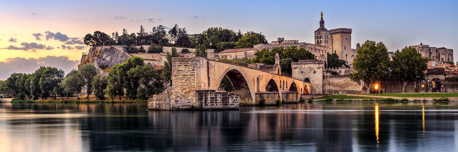 Pont Saint-Benezet at sunrise, Avignon