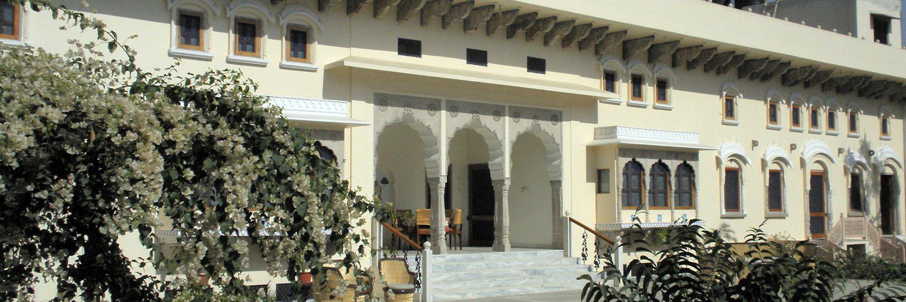 Dera Mandawa