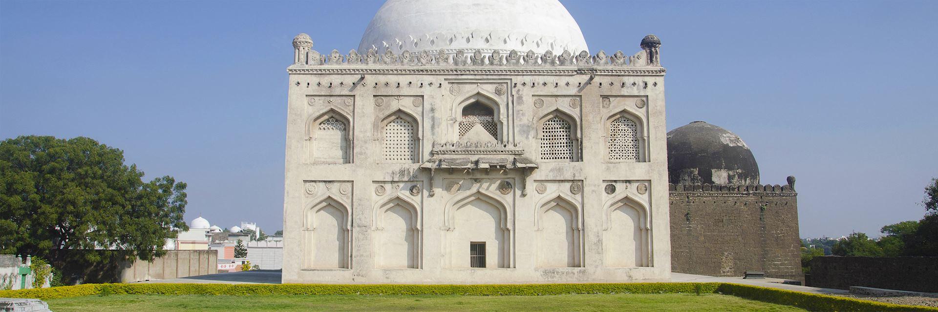 Tomb of Mujahid Shah, Gulbarga