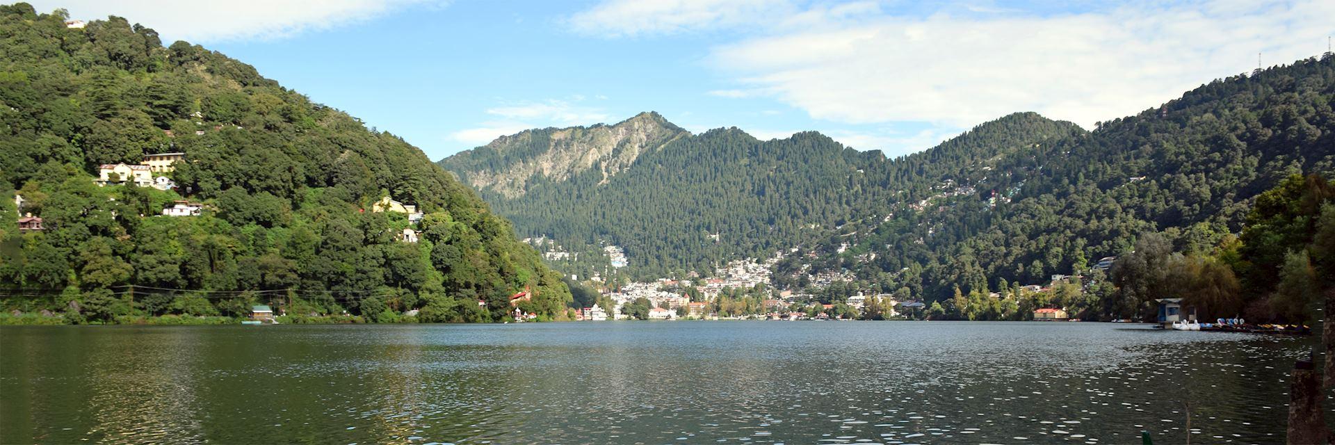 Lake and mountain view in Nainital