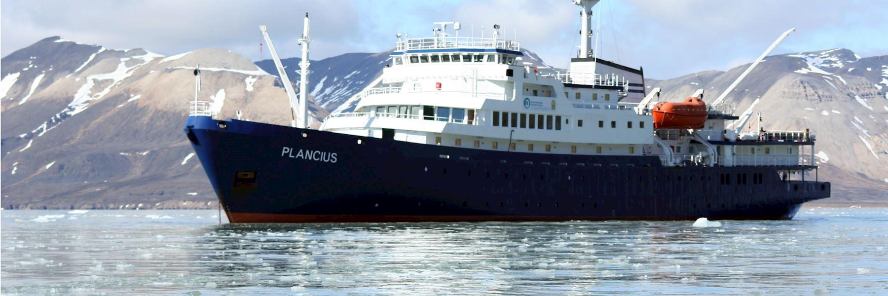 Cruise Ships in Antarctica: M/V Plancius