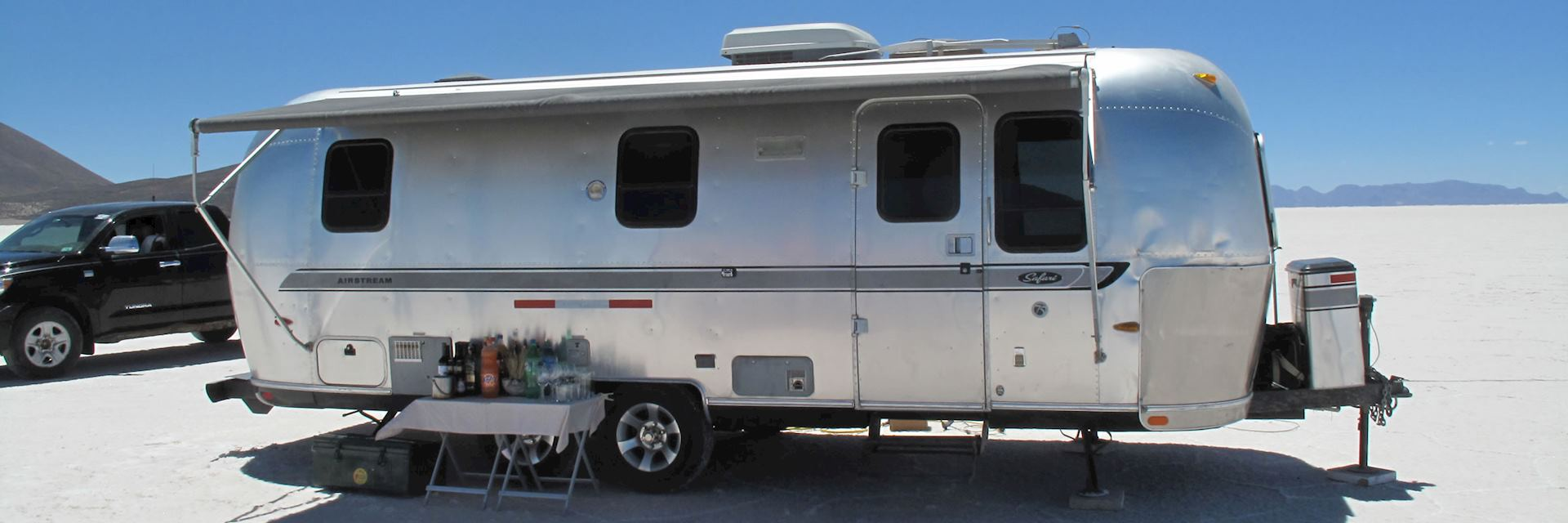 Deluxe Airstream camper, Salar de Uyuni