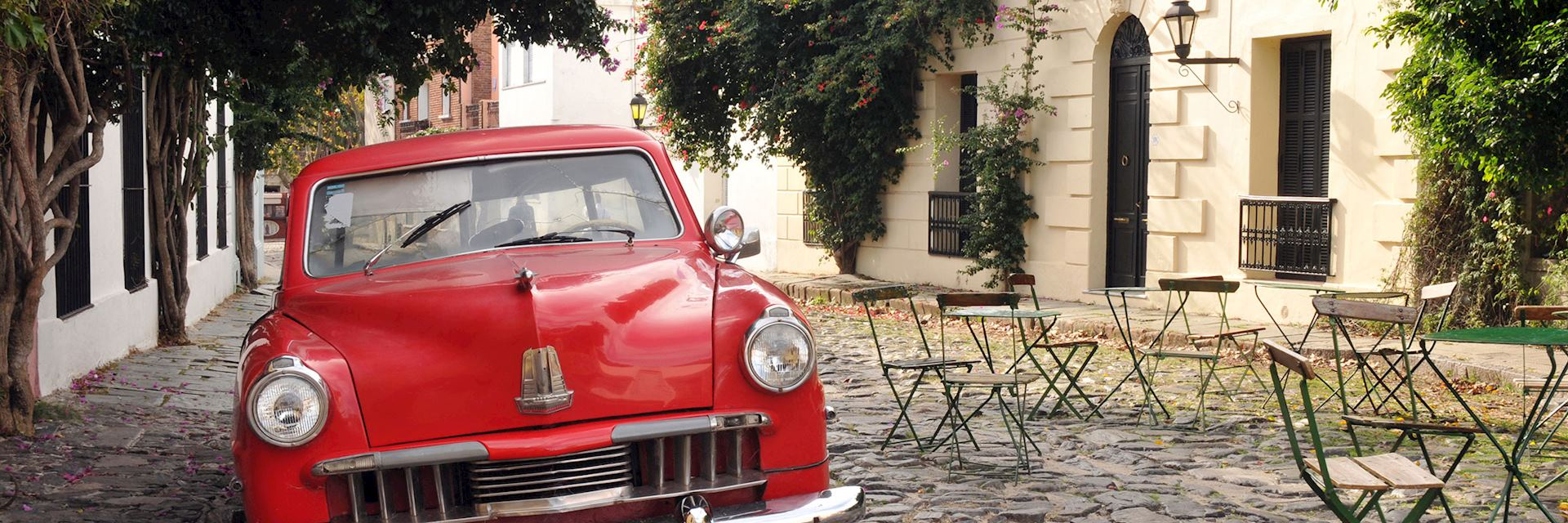 1950s car on one of Uruguay's cobbled streets