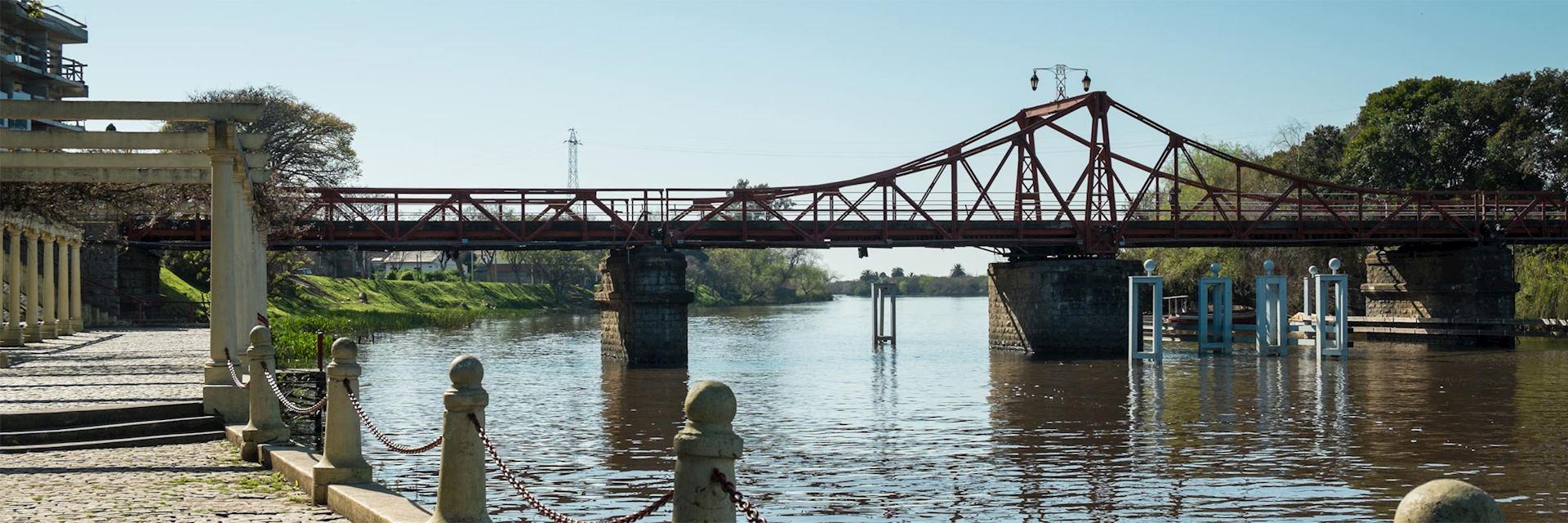 Swing bridge in Carmelo