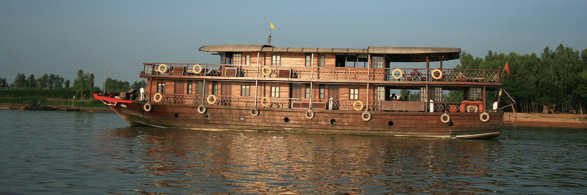 Bassac boat
