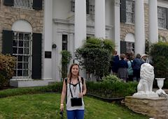 Catherinr visiting Graceland in Memphis, USA
