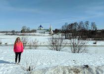 Hannah visiting Suzdal Kremlin, Russia