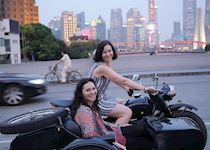 On a seaside car tour through Shanghai